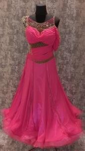 Плаття стандарт світло-бурдового кольору.